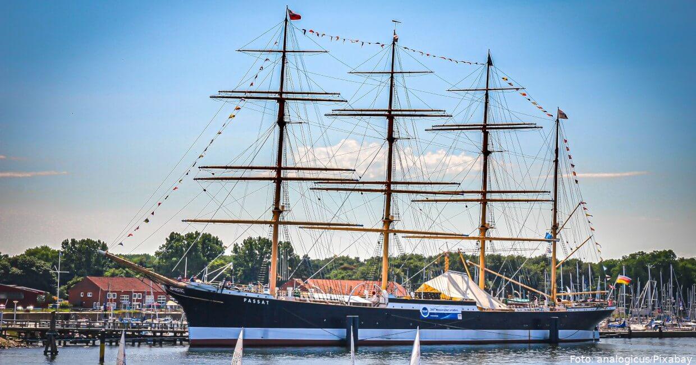 """Viermaster """"Passat"""" im Hafen von Travemünde"""