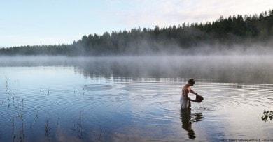 Abkühlen im nahe gelegenen See